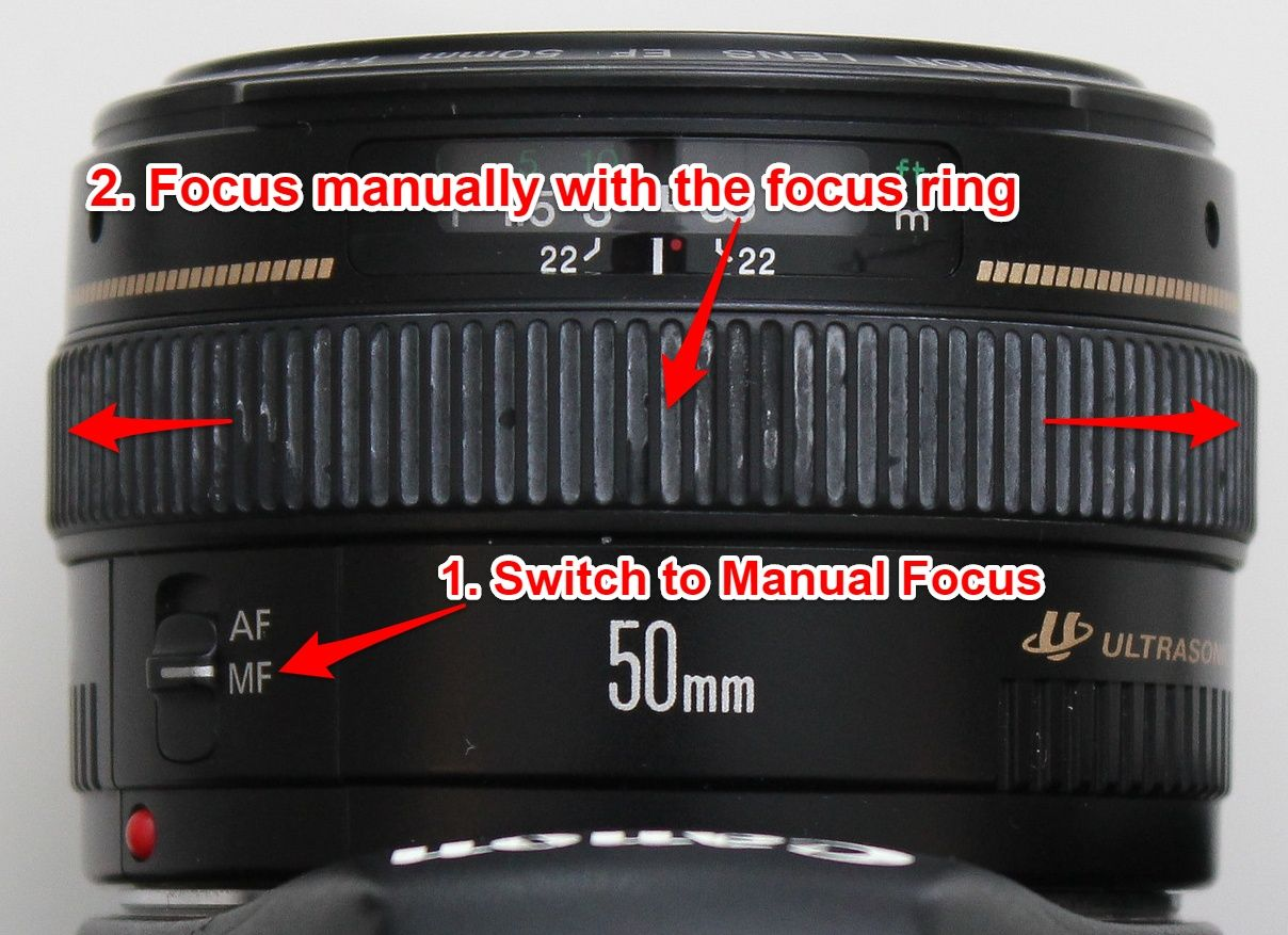 Manually focusing with 50mm f/1.4 lens