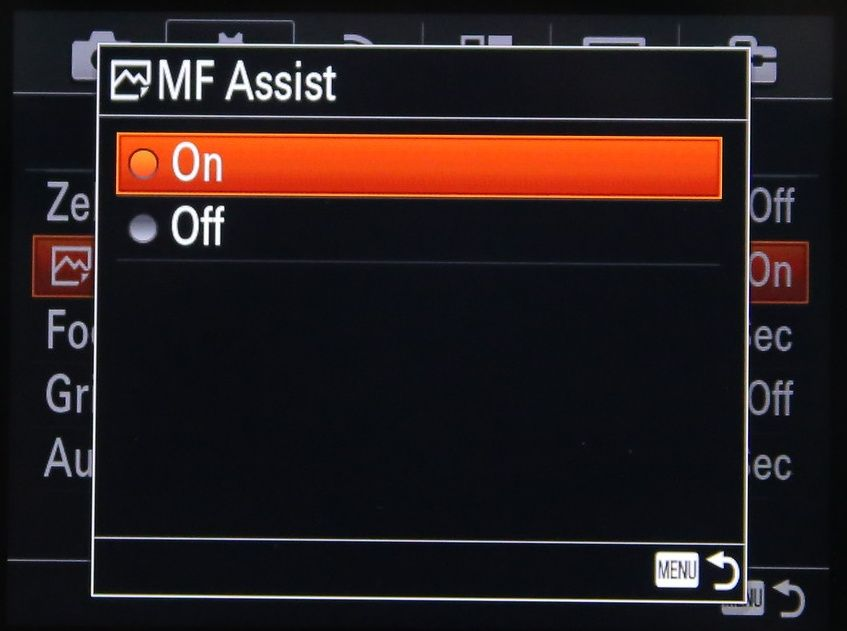Manual focus assist menu in Sonys