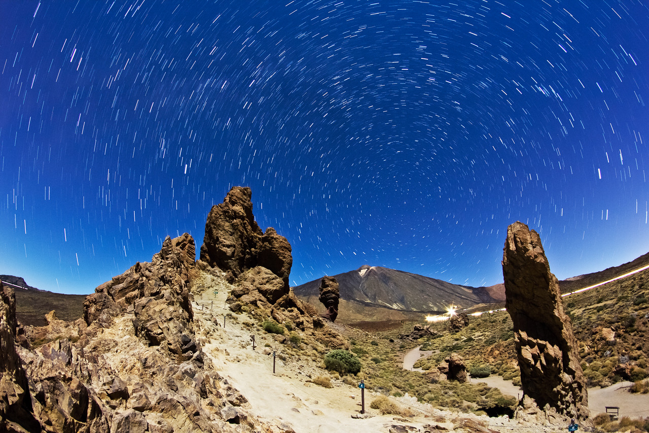 Moonlit Teide on Tenerife with winter Milky Way 9 minutes