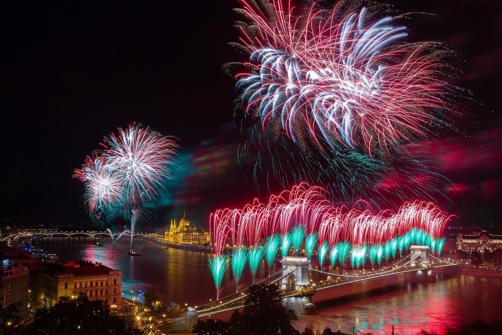 budapest fireworks st stephen day chain bridge national